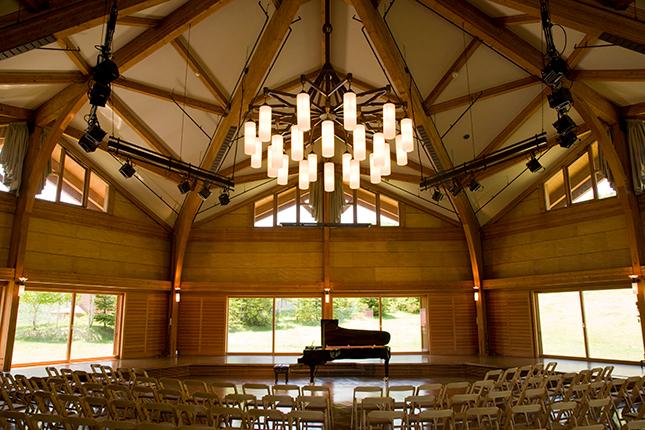奥志賀高原の森の音楽堂