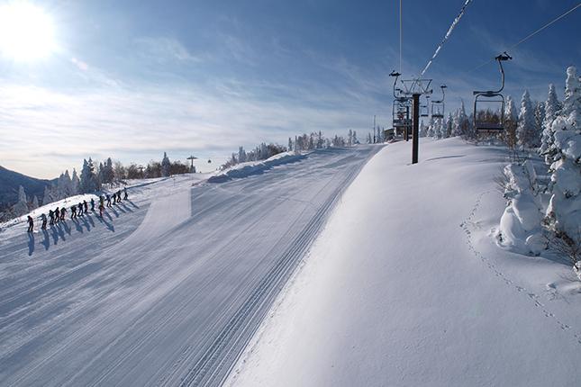 奥志賀高原でスキー